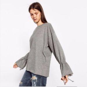 Zara Trafaluc Sweatshirt. Medium.